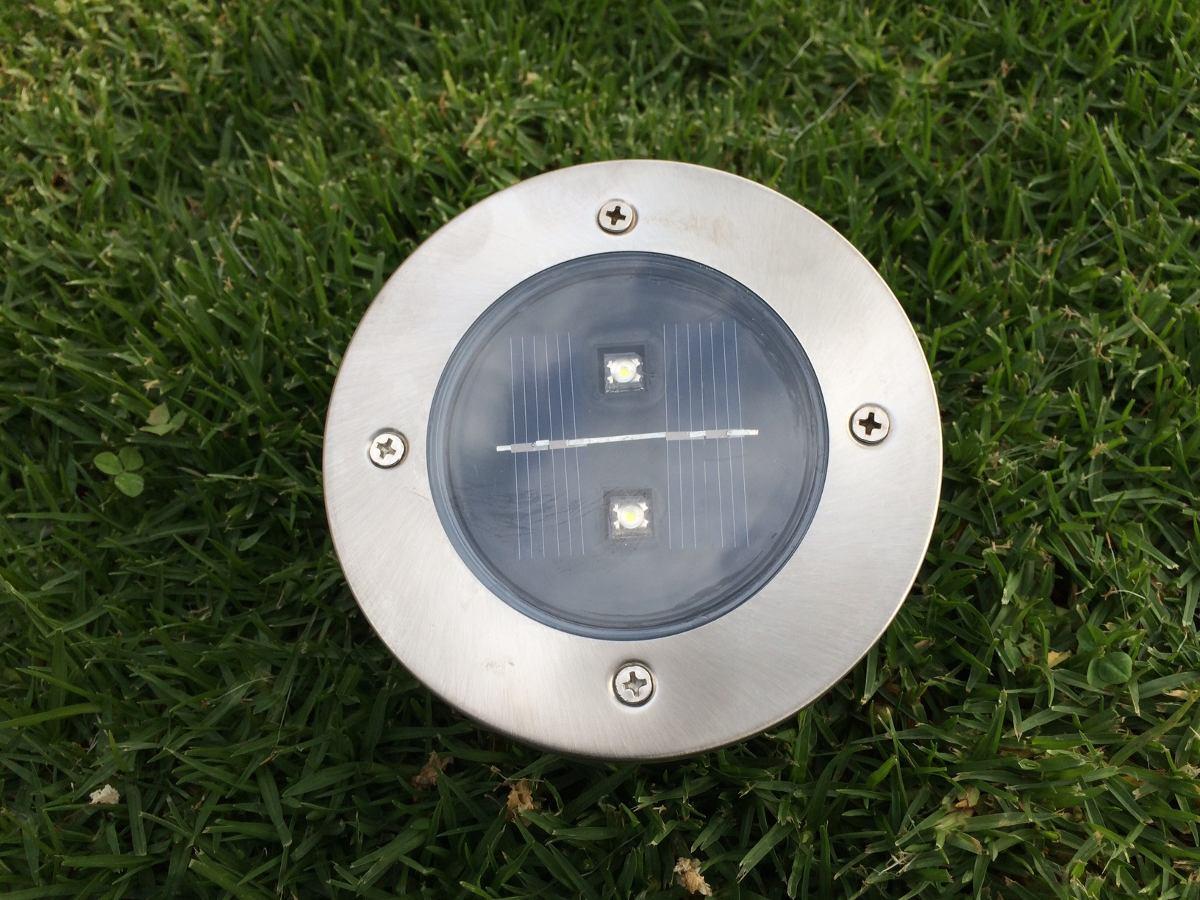 Luz solar para jardines iluminaci n de arboles for Luz solar para exterior
