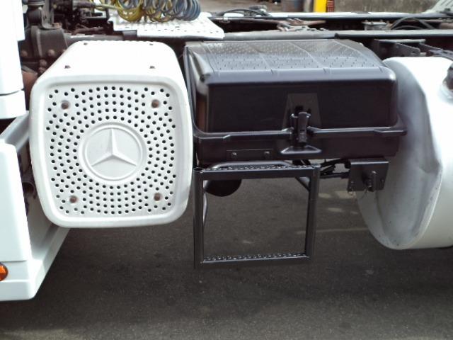 m b axor 1933 s teto alto 4x2 2005 único dono motor novo