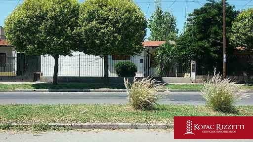 m. de sobremonte (t. de pimentel 1500) - venta casa de 2 dorm.