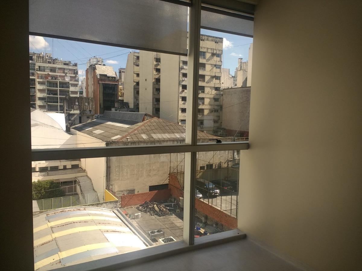 m. t. de alvear , oficina en alquiler 130 m² con coch