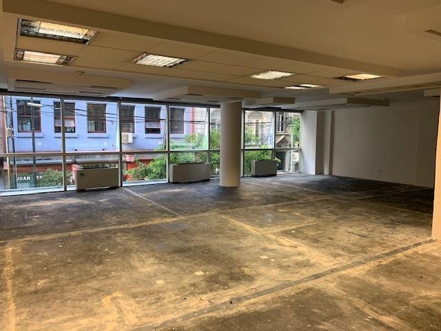 m. t. de alvear , oficina en alquiler 270 m² con coch