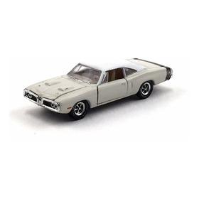 M2 Machines 1970 Dodge Super Bee 383 Dm R.28 1/64 Loose !!!