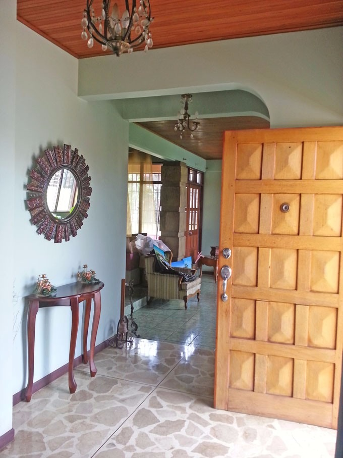 ma asesorías vende espaciosa casa en naranjo