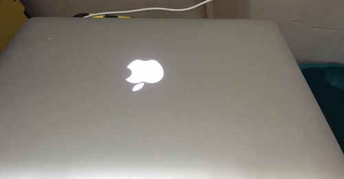 mac book laptop.