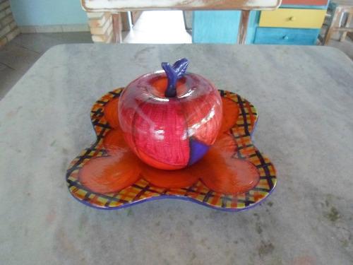 maçã decorativa em gesso