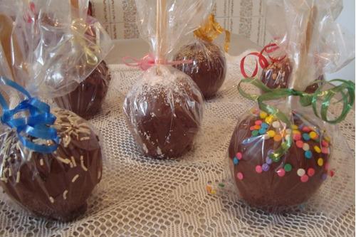 maçã do amor coberta com chocolate - kit com 10 - r$ 26,00