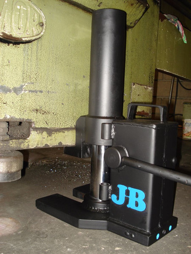 macaco unha jb