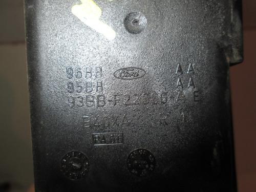 maçaneta mondeo 96 traseira esquerda com cabo 8834