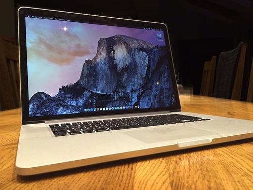 macbook pro retina 15 i7 2015 16 gb ram 256 gb ssd intacta!