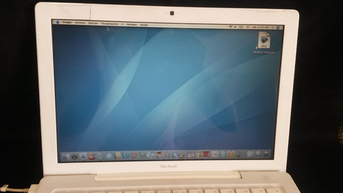 macbook white 2007 2.1 os 10.4.11 con cargador.