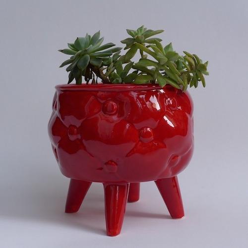 maceta con patas de ceramica esmaltada- tienda puro diseño