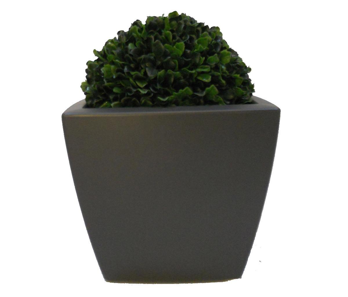 Maceta cuadrada con llantas ocultas ideal para exterior for Adornos para plantas con llantas