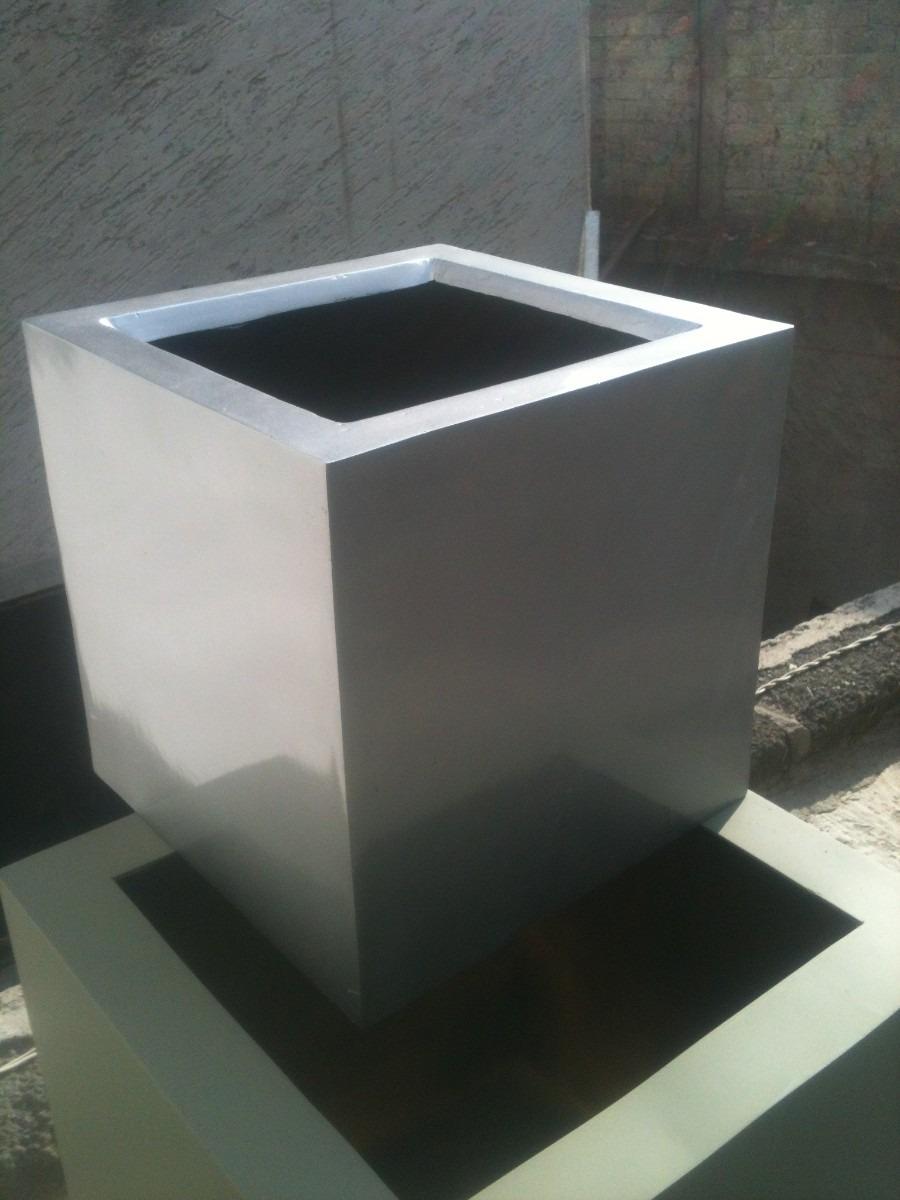 Maceta de fibra de vidrio cubo imitaci n acero - Macetas fibra de vidrio ...