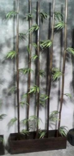 maceta f de v c/ varas bambú nat, y follaje artificial.1.80m