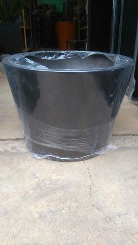 maceta fibra de vidrio 90 alto x 90 boca sup x 75 base inf