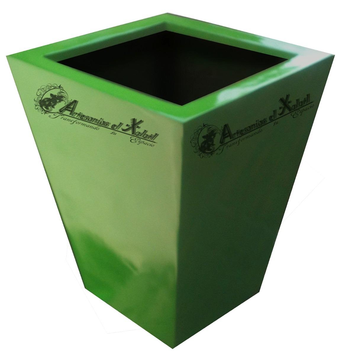 Macetas fibra de vidrio obelisco minimalista jardineras - Plastico para jardineras de madera ...