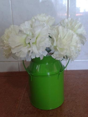 macetas  lecheras de metal con flores mdn