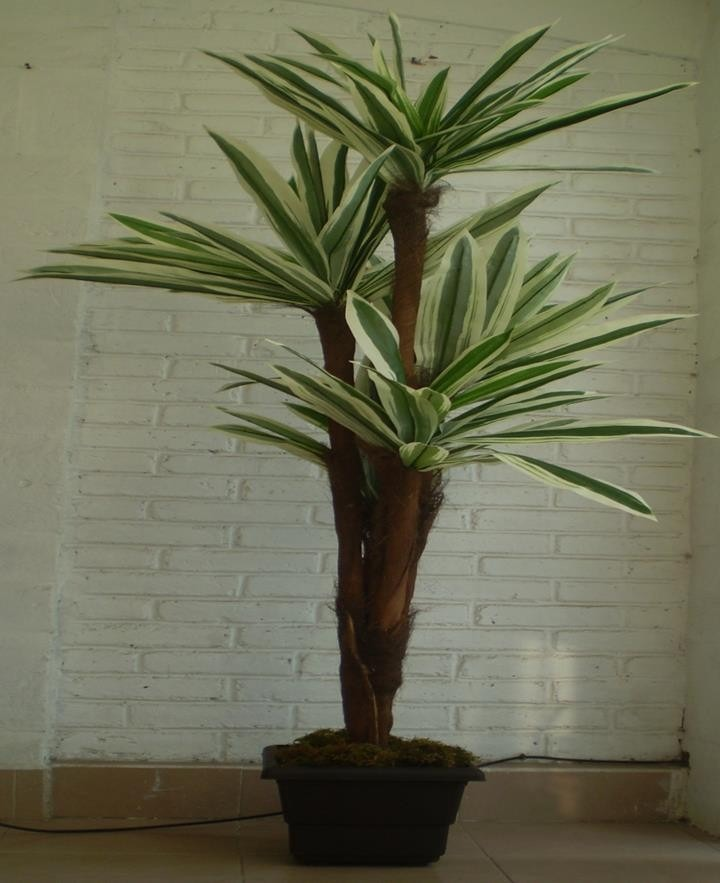 Macetas y plantas artificiales de lo mejor vbf 3 490 for Plantas ornamentales artificiales