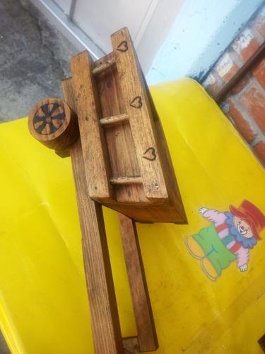 macetero carreta madera