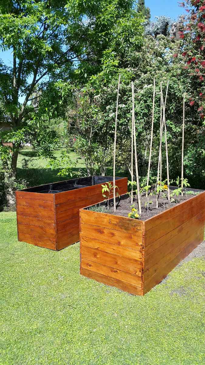 Macetas de madera para exterior banco en madera de exterior y maceta de cinc esta pensado para - Maceteros de madera ...