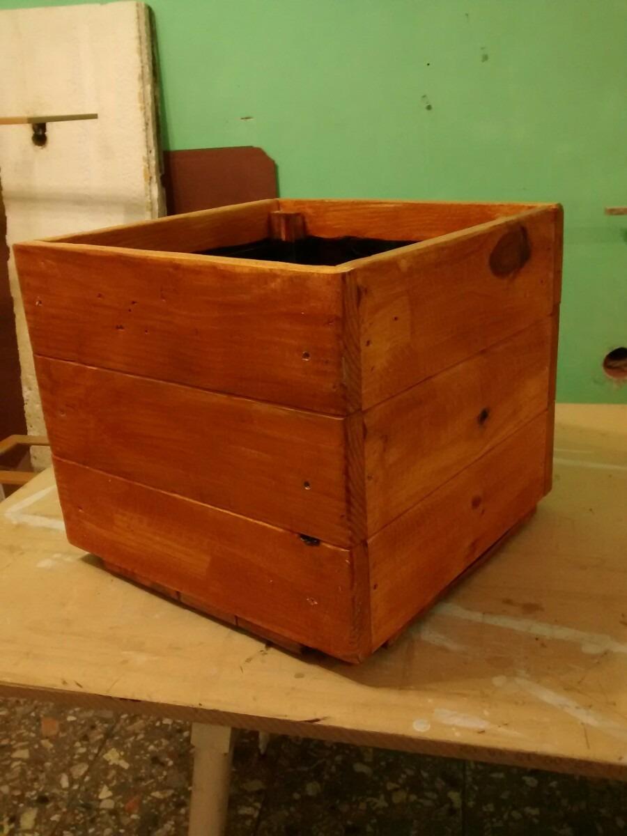 Reciclaje de palet reciclaje palet reciclaje palet muebles fabricados con palets mesa ratona - Reciclaje de palet ...