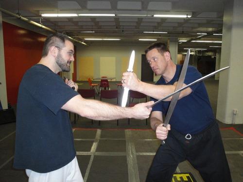 machete tactico para entrenamiento  en aluminio macizo black