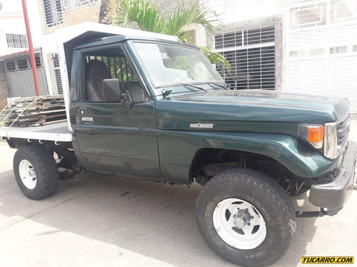 macho pick-up toyota