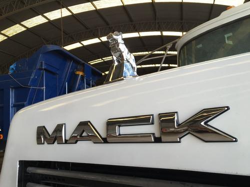 mack hormigonero 8x4 dm690s listo para trabajar 300hp no 6x4