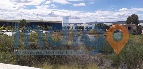 macrolote plano en venta en juriquilla uso de suelo mixto
