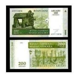 madagascar - 100 e 200 ariary de 2.004 - fe  frete 12,00.