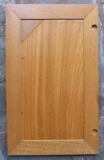 madera bajo mesada