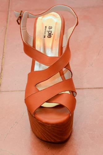 madera. marca zapatos