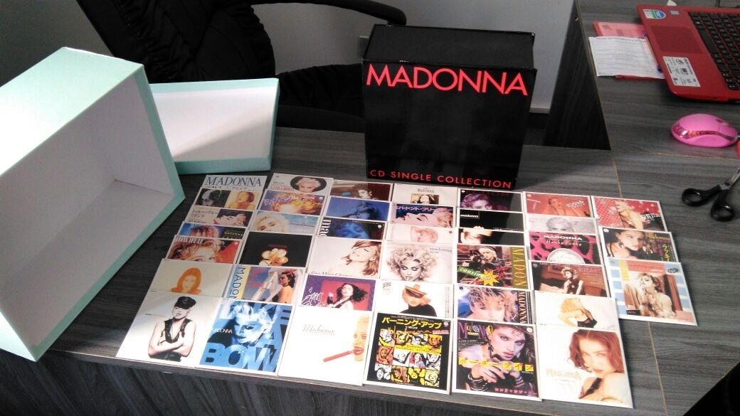 madonna-raro-box-40-cd-3-inch-single-collection-japan-D_NQ_NP_643124-MLB27233158915_042018-F.jpg