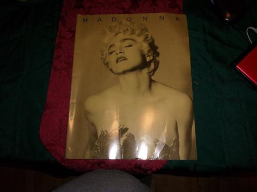 madonna -  tour book who`s that girl en ingles
