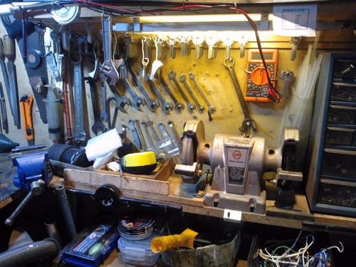 maestro handyman para pequeñas mantenciones en el hogar