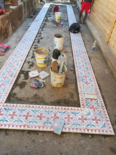 maestro instalador de baldosas cerámica porcelanato