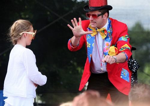 magia cómica y globos magicos para fiestas infantiles