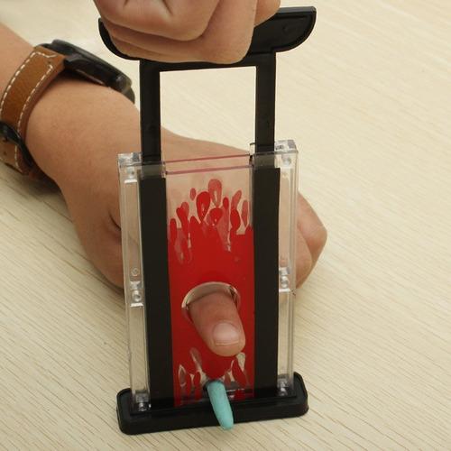 magic show dedo cortador chopper guilhotina truque piada bri