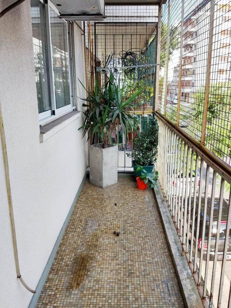 magnate depto con 2 patios y balcón