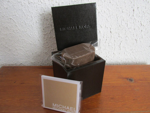 magnifica caja para reloj michael kors muy escaso