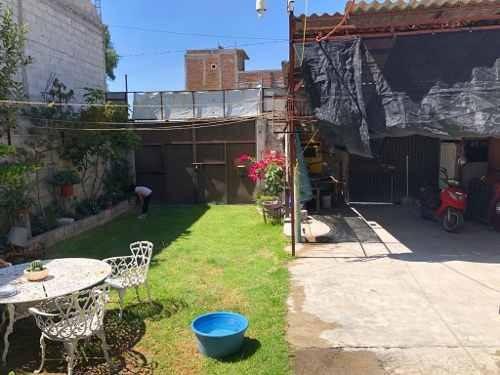 magnífica casa con amplios espacios y jardín