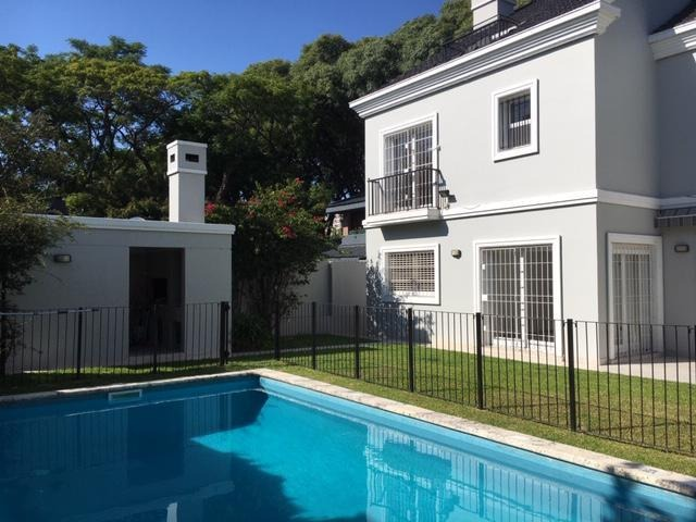 magnífica casa en alquiler en barrio parque aguirre, acassuso