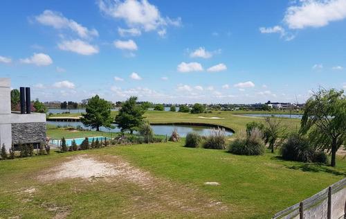 magnífica casa en venta en el golf, nordelta