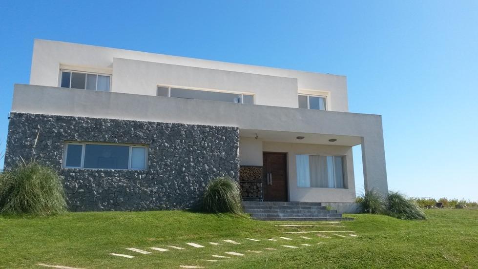 magnifica residencia cercana a la playa con piscina