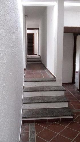 magnifica residencia con un terreno de 1,300 m2 y construcci