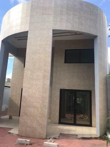 magnifico edificio de oficinas
