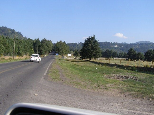 magnifico terreno a pie de carretera