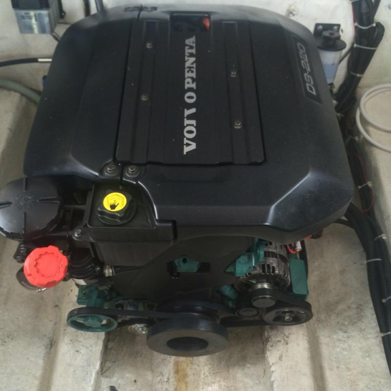 magnum 29 2000 motor volvo d3 220hp diesel-marina atlântica