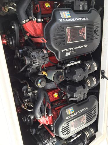 magnum 29 com 2 motores volvo penta v8 com 300 hp (cada)