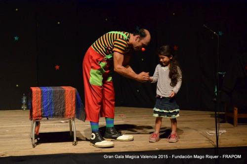 mago ezzio show de magia.espectáculo mágico.mago divertido.